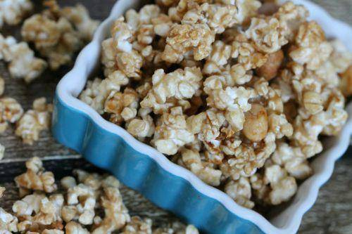 Easy Salted Caramel Corn Recipe! Christmas, Thanksgiving, and Holiday Treat for Flavored Popcorn!