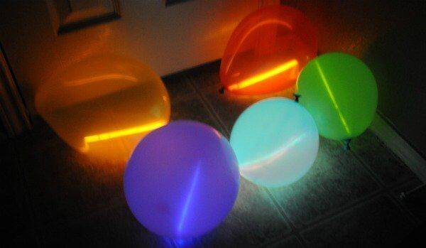 balloons-with-glow-sticks