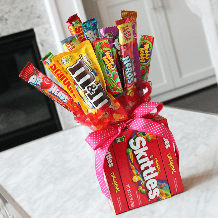 Diy candy bouquets for valentines day birthdays more for Valentine candy crafts ideas