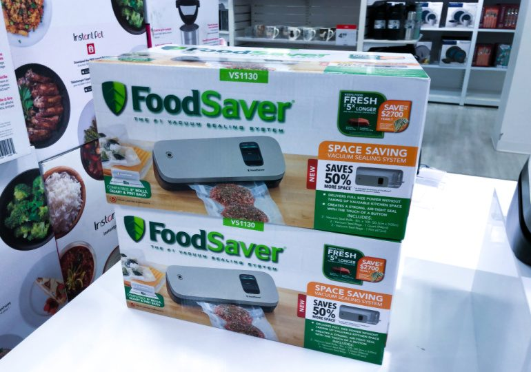 FoodSaver space-saving food vacuum sealer