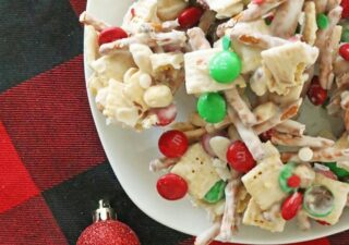 christmas snack mix with m&ms