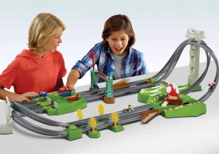 Hot Wheels Mario Kart Circut Trackset on Sale - kids playing with trackset