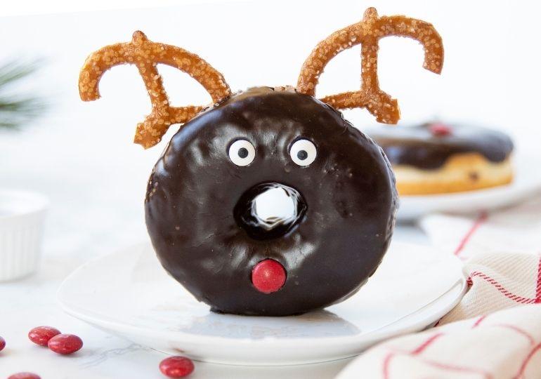 reindeer donut breakfast